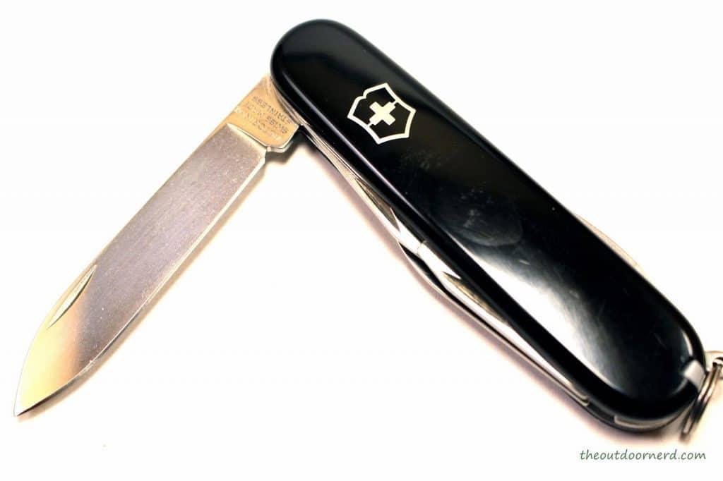 Victorinox TINKER  Review con cuchilla en 90 grados